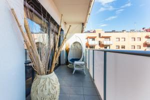 A balcony or terrace at Family apt pool and beach