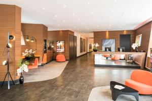 The lobby or reception area at Hipark by Adagio Paris La Villette