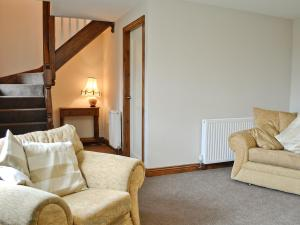 A seating area at Wallace Cottage