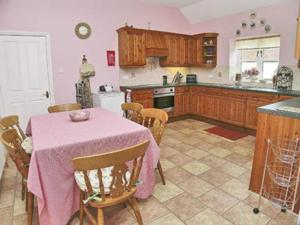 A kitchen or kitchenette at Nightingale