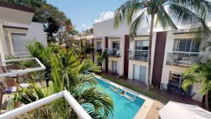 Vista sulla piscina di Casa Mimosa o su una piscina nei dintorni