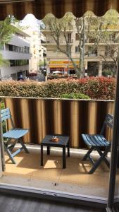 Balcon ou terrasse dans l'établissement 3 pieces centre d'Antibes