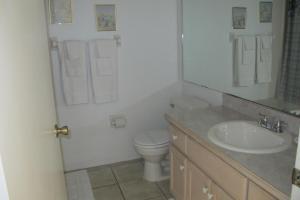 Salle de bains dans l'établissement Indian Wells 5376LD