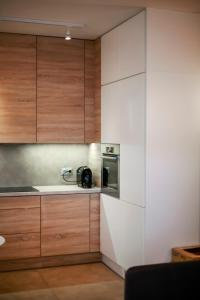 A kitchen or kitchenette at WhiteAndWood