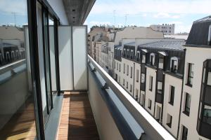 A balcony or terrace at Appartements Paris Boulogne