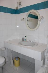 A bathroom at I Tramonti Apartments
