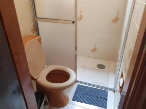A bathroom at Apartamento Condomínio Paola