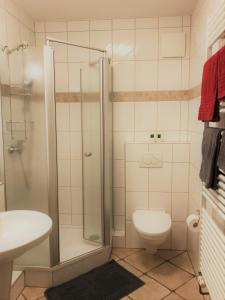 A bathroom at Ferienwohnung Berens