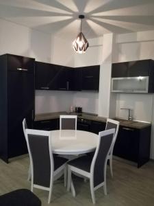 A kitchen or kitchenette at Apartment Rina