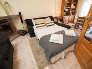 A bed or beds in a room at OPORTO GUEST Vila do Conde River & Sea