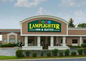 Picture of Lamplighter Inn and Suites - North