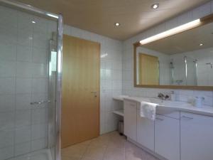 A bathroom at Bizau 361