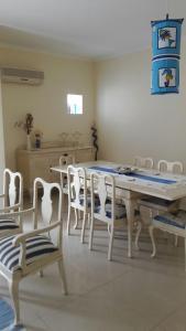 Reštaurácia alebo iné gastronomické zariadenie v ubytovaní Pé na Praia da Foz