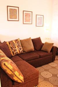 A seating area at Apartments & Room Anita
