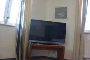 TV/Unterhaltungsangebot in der Unterkunft Auerbachs Keller