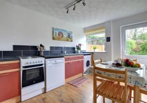 Küche/Küchenzeile in der Unterkunft Puffin House