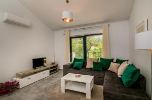 A seating area at Hedera Residences - Morinj