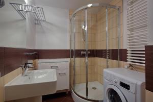 Łazienka w obiekcie Apartament Szklane Domy