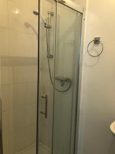 A bathroom at Islington Apartments