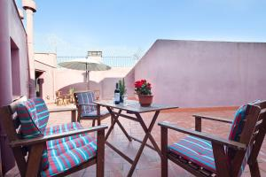 A balcony or terrace at Enjoybarcelona Apartments
