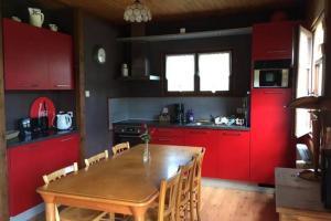Cuisine ou kitchenette dans l'établissement Les Campanules 29A