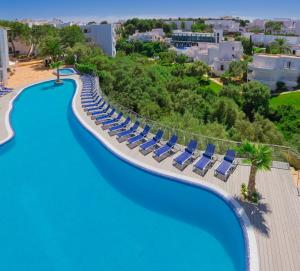 A view of the pool at Apartamentos Ferrera Beach or nearby