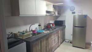 A kitchen or kitchenette at Forbesapart