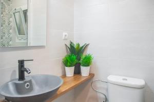 A bathroom at 10 min walk from Sagrada Familia