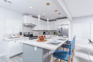 A kitchen or kitchenette at McKnight