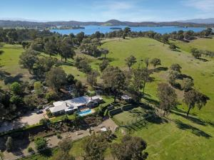 A bird's-eye view of Lakeside Holiday Resort , Yarra Valley