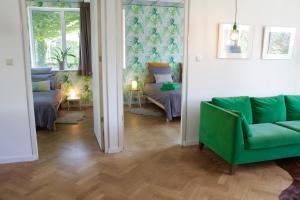 A seating area at De Oude Kleuterschool