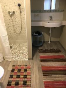 A bathroom at Jurna Recreation Farm
