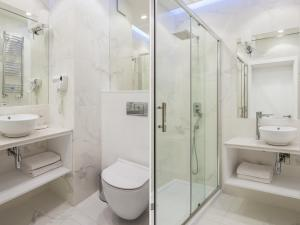 A bathroom at Chopin Apartments - Mennica Residence