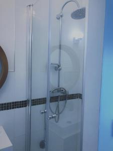 A bathroom at Villa Caramac