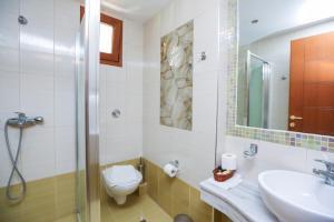 Ένα μπάνιο στο Skiathos Island Suites
