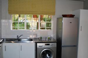 A kitchen or kitchenette at Town View