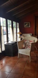 A seating area at Apartamentos Rurales Casa Pachona