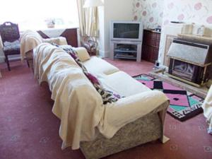 A bed or beds in a room at 15 Elms Road