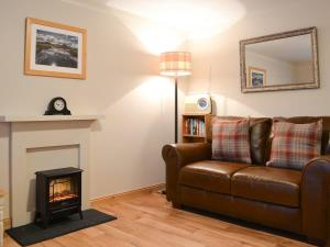A seating area at Evat Cottage