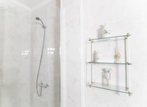 A bathroom at Home & Private Terrace WIFI + AIRCON
