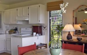 A kitchen or kitchenette at Castle Kaha Lani Resort