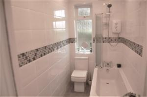 A bathroom at elegant apartment in knightswood area of glasgow