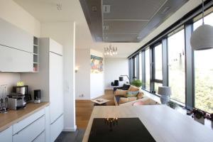 A kitchen or kitchenette at Alsterjuwel