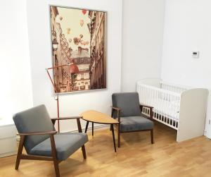 A seating area at Downtown Apartment Berlin Friedrichshain