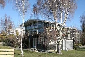 The building in which the holiday home is located