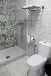 Vonios kambarys apgyvendinimo įstaigoje Apartamentos Tinerfe Garden