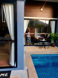 Piscina de la sau aproape de KG Private Pool Villa