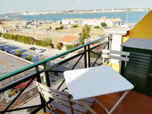 A balcony or terrace at Feels Like Home Vila Real Santo António Marina Apartment