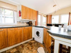 Küche/Küchenzeile in der Unterkunft Lakeview, Chichester