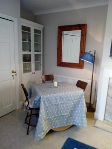 Cama o camas de una habitación en The Apartment Balnain Villa